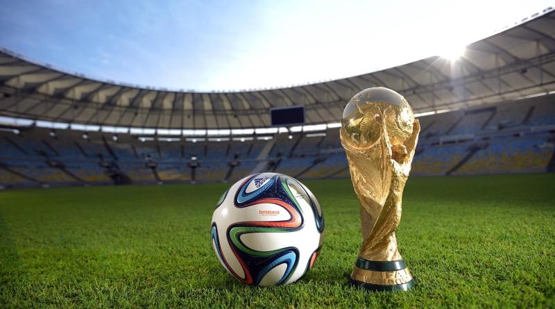 Calcio: ecco Brazuca pallone dei Mondiali,ha colori passione