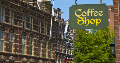 coffee-shop-sign-in-amsterdam-photo_1345937-770tall