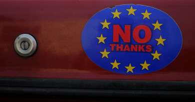 A car sticker with a logo encouraging people to leave the EU is seen on a car, in Llandudno, Wales, February 27, 2016. REUTERS/Phil Noble - RTSDHI8